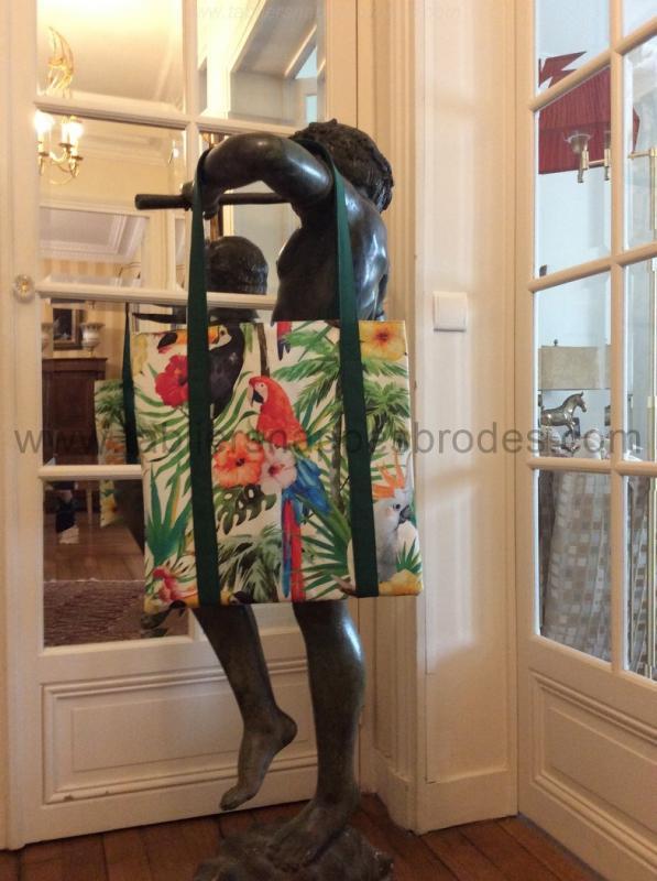 A a a sac perroquet image