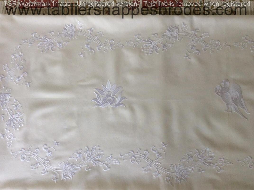 Nappe broderie blanche suite