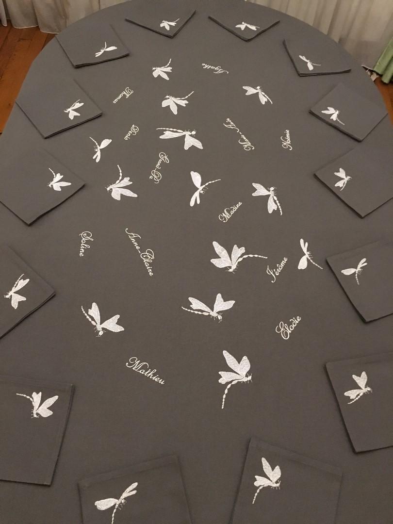 Nappe grise libellules et prenoms copier