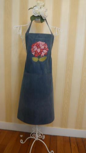 tablier-adulte-bleu-hortensia.jpg
